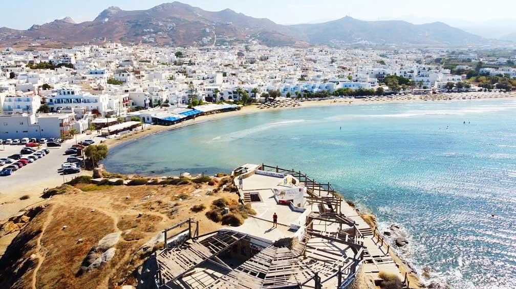 Naxos Stadt Strand aus der Drohnen perspektive