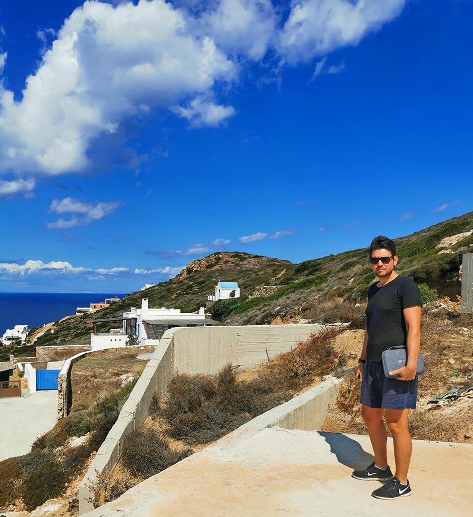 DJI Fly More Combo Set auf Naxos in den Bergen