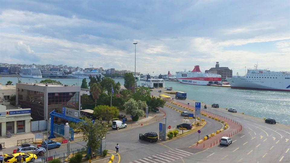 Griechenland Bild auf den Fähren in Piräus
