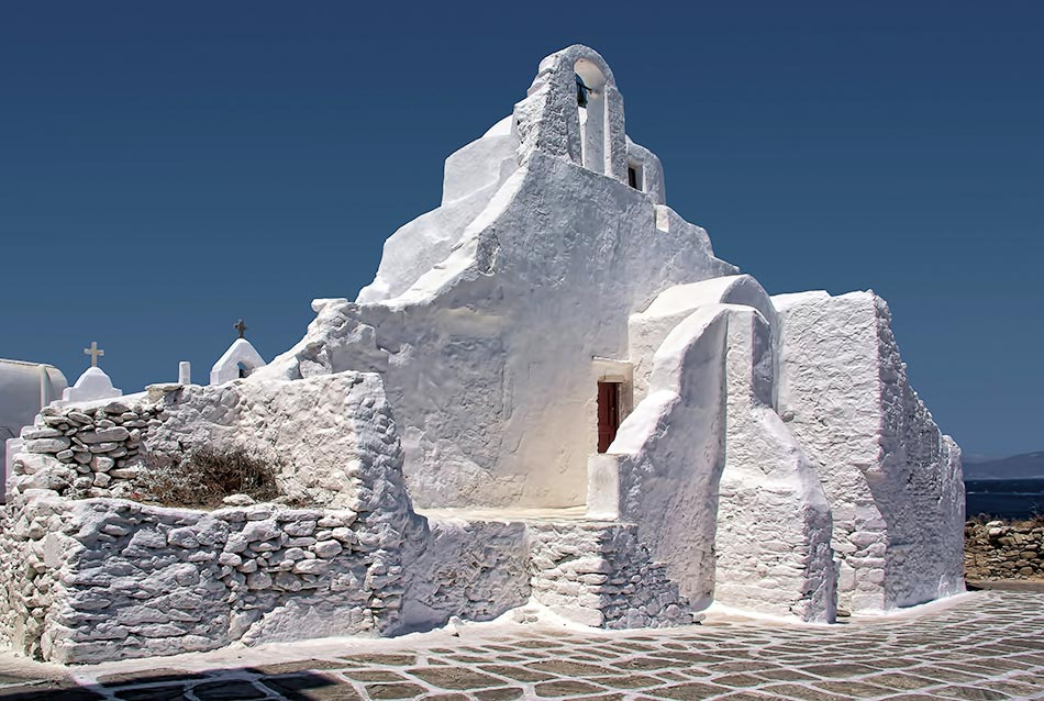 Mykonos Sehenswürdigkeit - Panagia Paraportiani Kirche in der nähe der Stadt